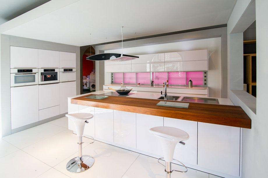 ausstellungsk che mod l17 k che hochglanz lackiert angebote k chen angebote k chehaus engl. Black Bedroom Furniture Sets. Home Design Ideas